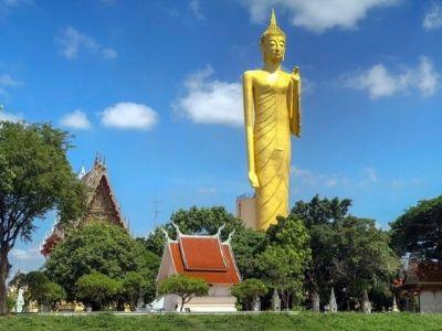 Grand Bouddha debout Thaïlande